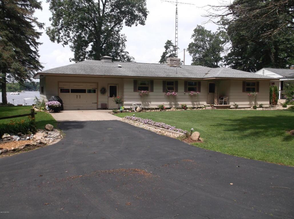 59190 Pine Grove Rd, Colon, MI 49040