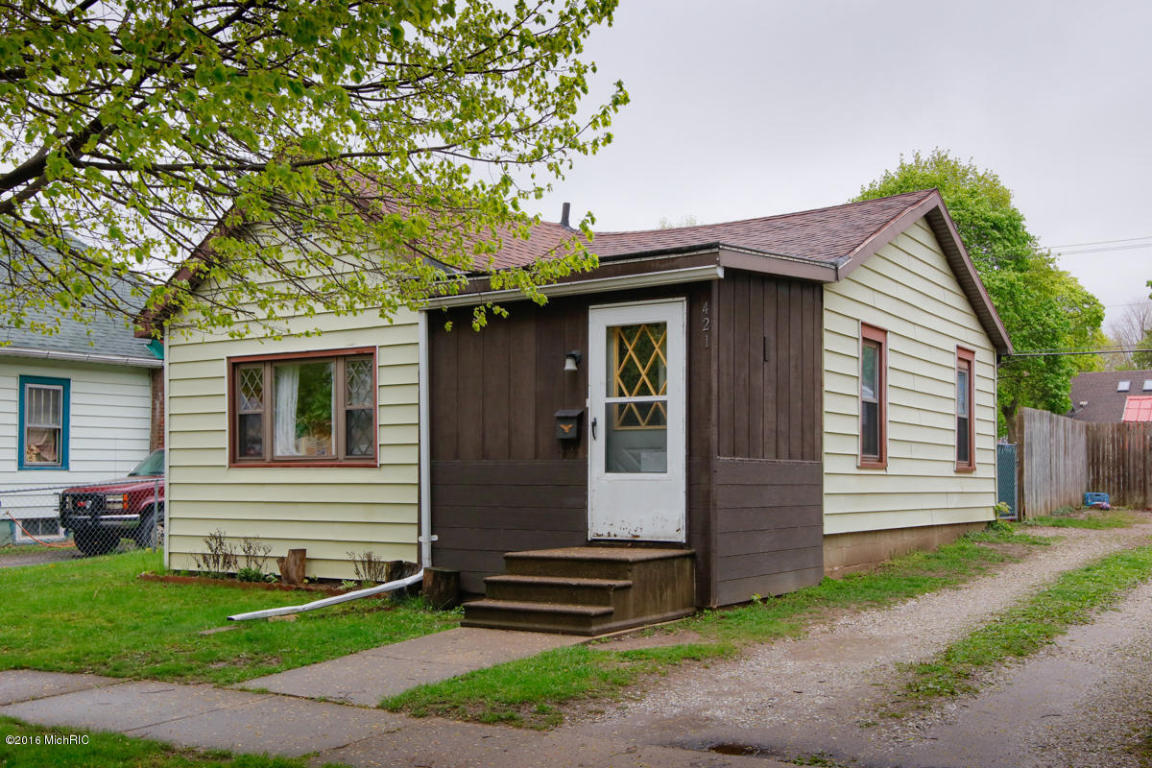 Photo of 421 Susan Street  Sturgis  MI