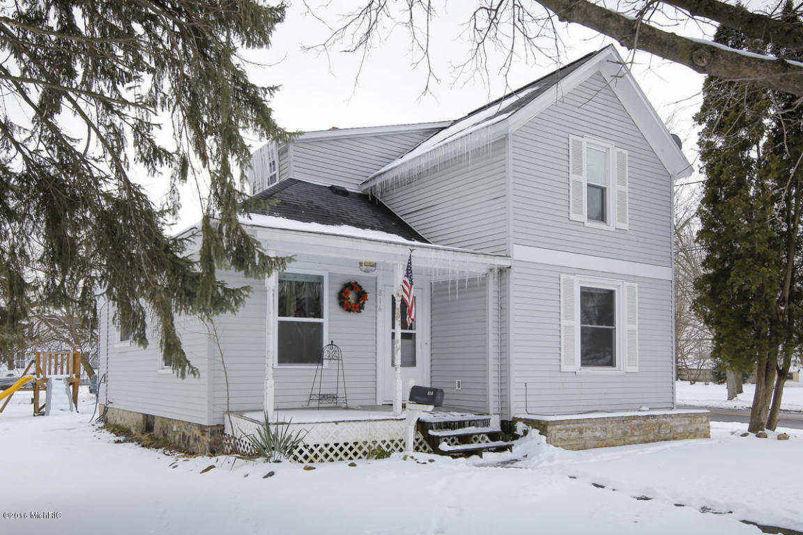 Photo of 816 Pealer Street  Three Rivers  MI