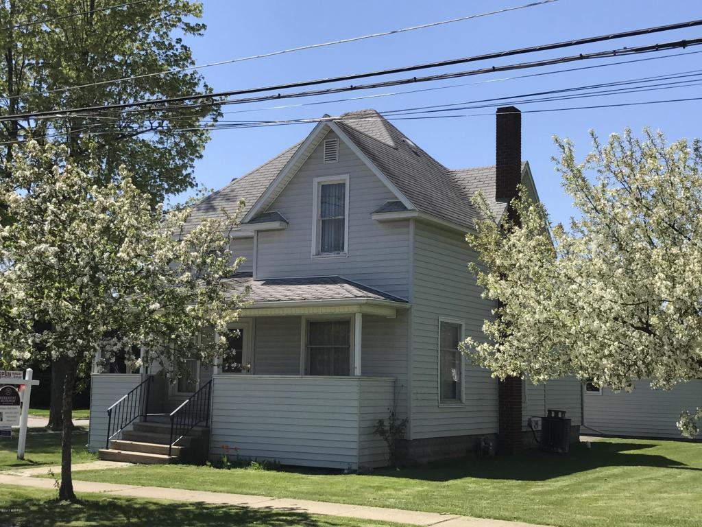 Photo of 209 Grove Street  Sturgis  MI