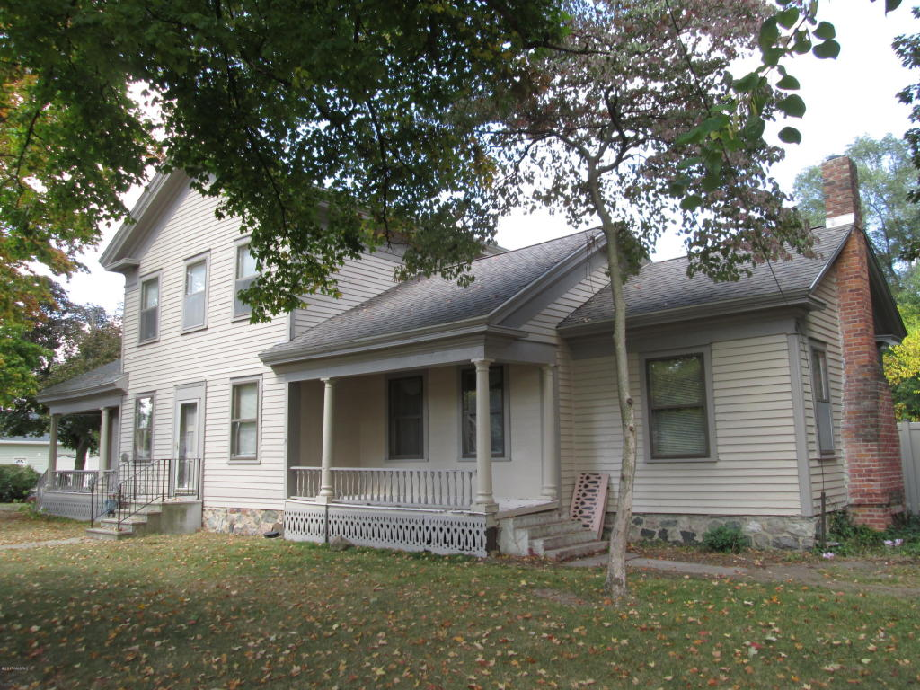 Photo of 405 E Main  Centreville  MI