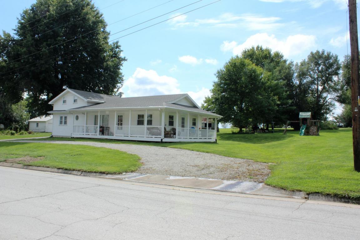 Photo of 1110 N Main  Stewartsville  MO