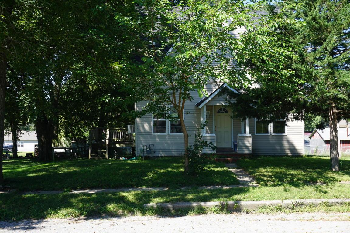 Photo of 1006 W West St  Stewartsville  MO