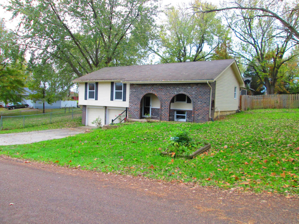 Photo of 617  Valley Dr  Plattsburg  MO