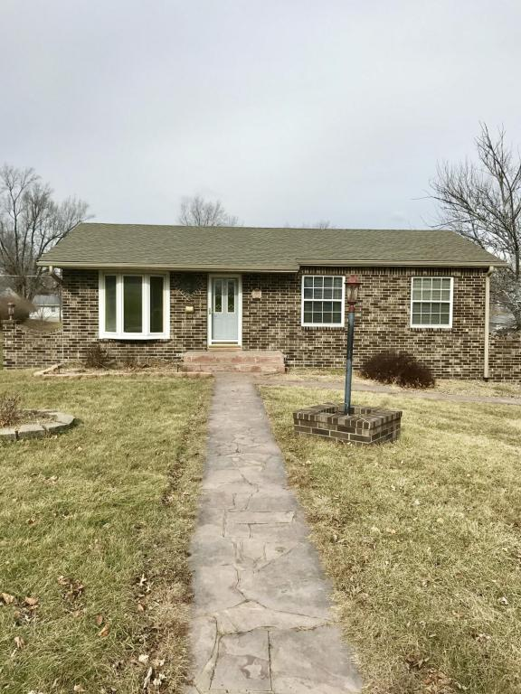 Photo of 1219 E 3rd St  Maryville  MO