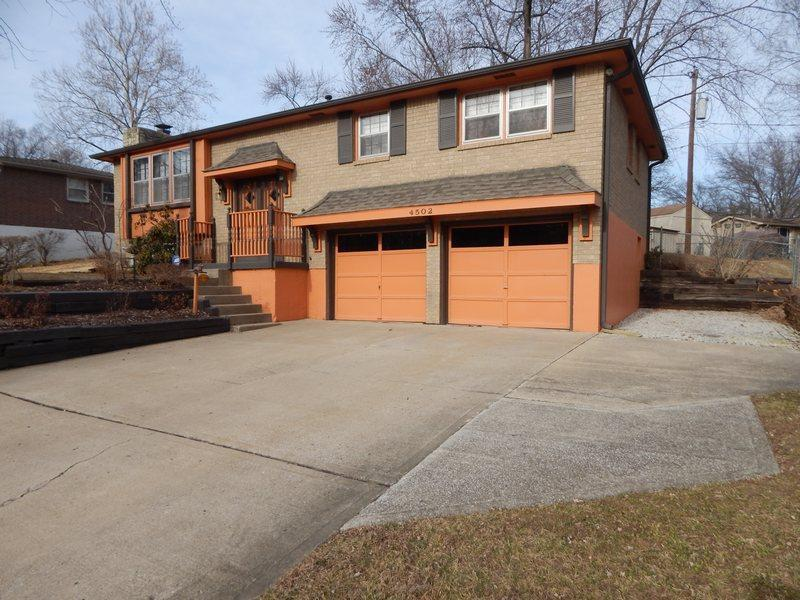 Photo of 4502 NW 50th Ter  Parkville  MO