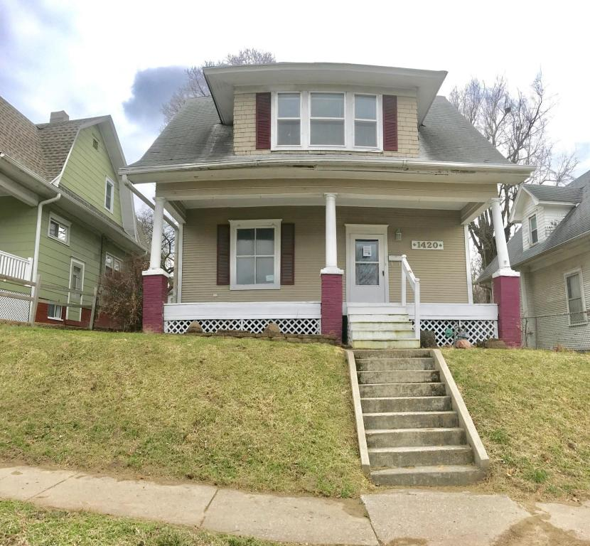 Photo of 1420  Sycamore St  St Joseph  MO
