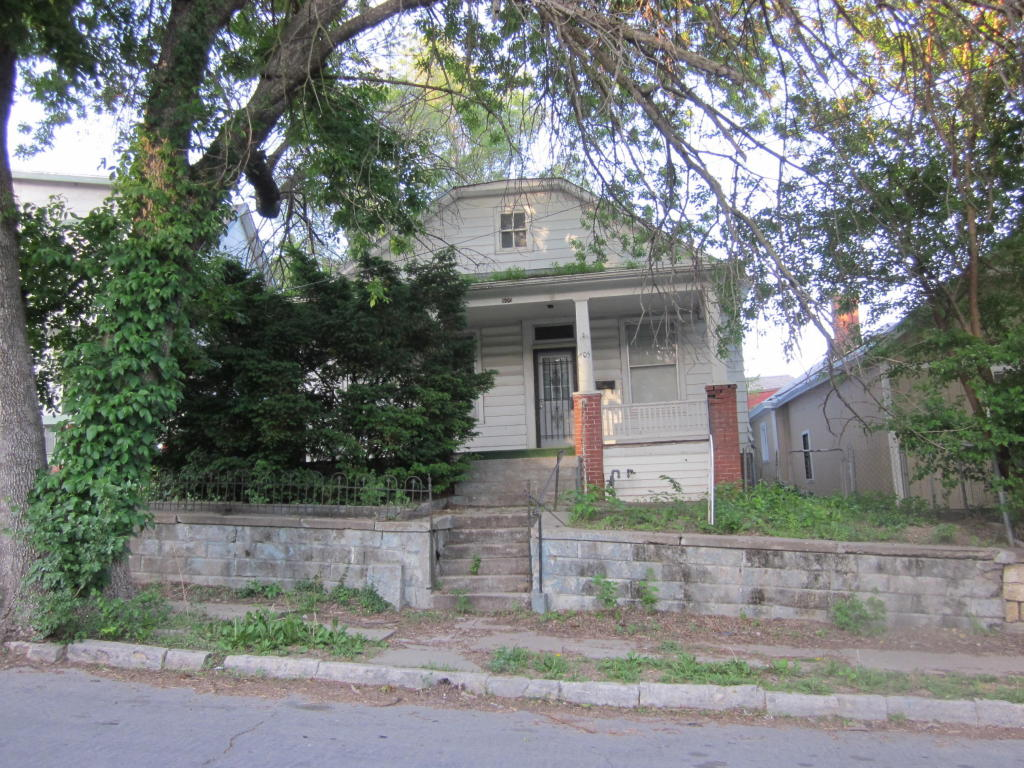 Photo of 605 N 12th St  St Joseph  MO