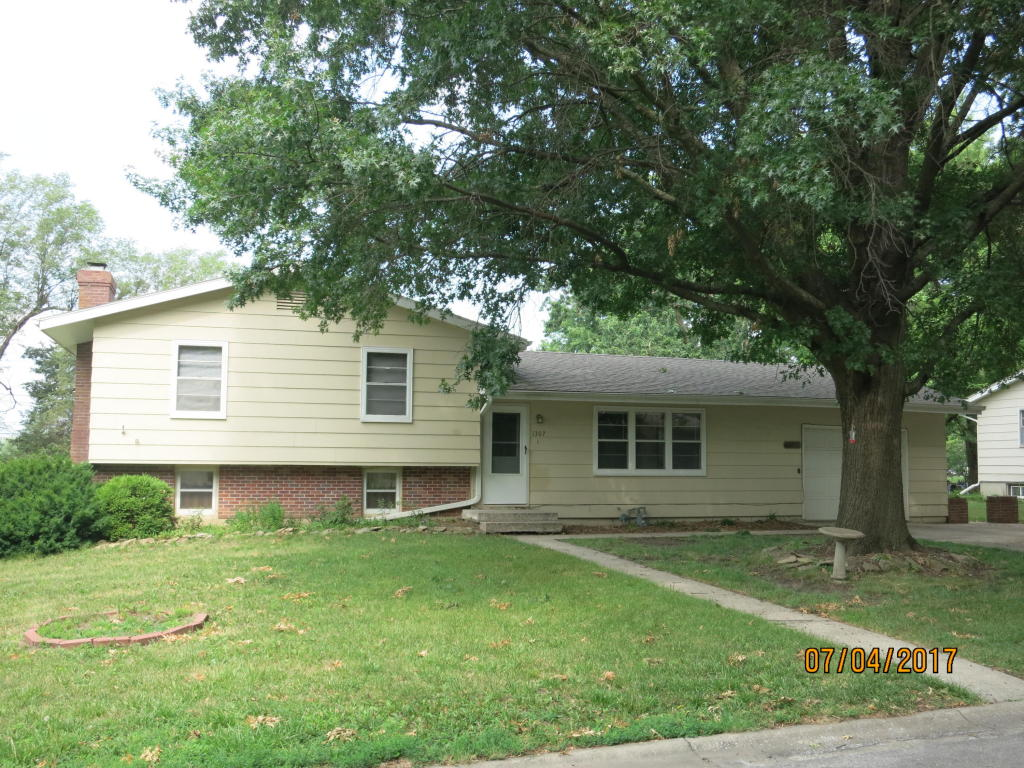 Photo of 1307 N Cherry St  Cameron  MO