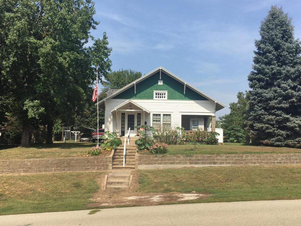 Photo of 405 E Davis St  Mound City  MO