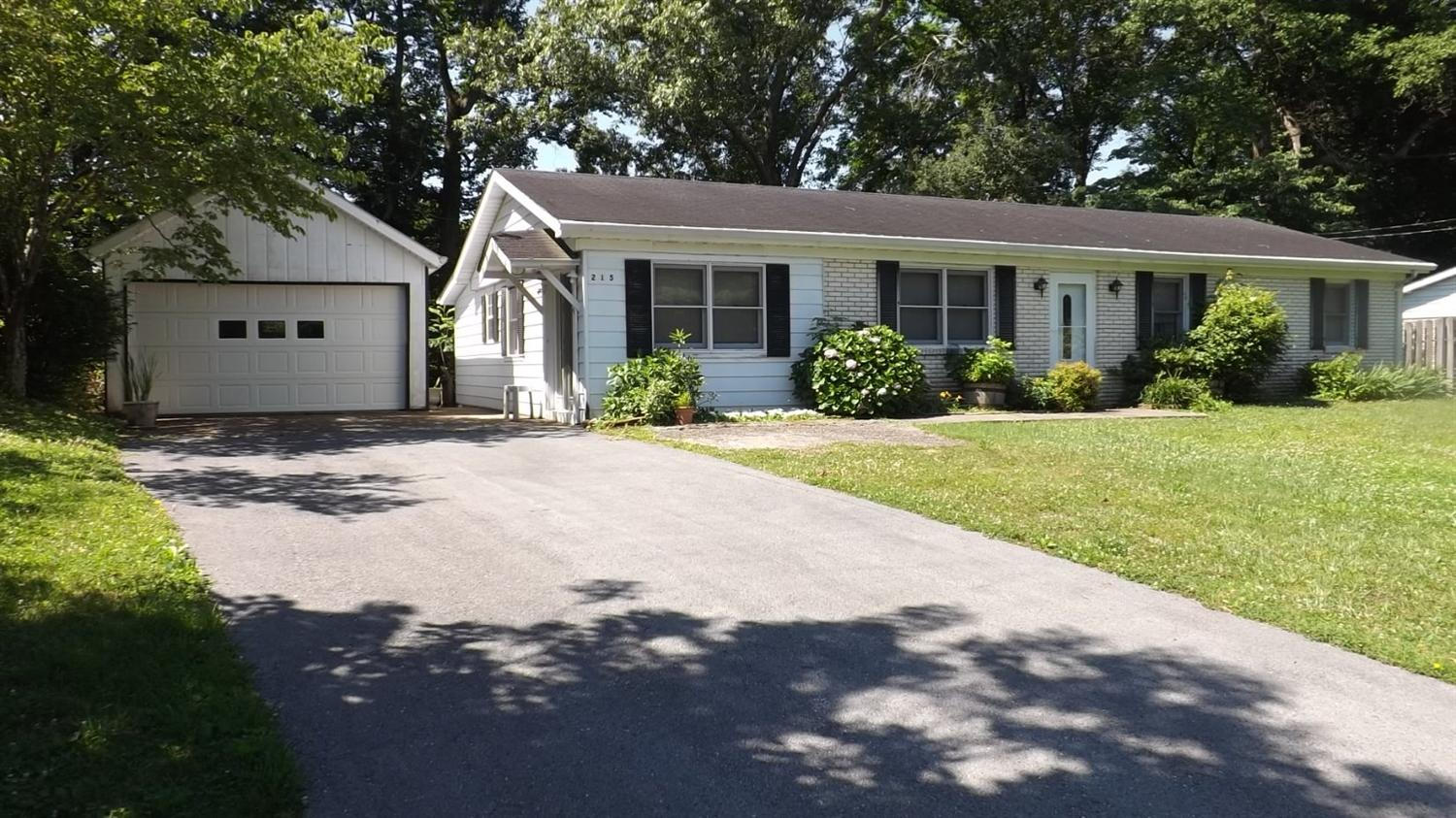 Photo of 215 Woodland Grove Drive  Bronston  KY
