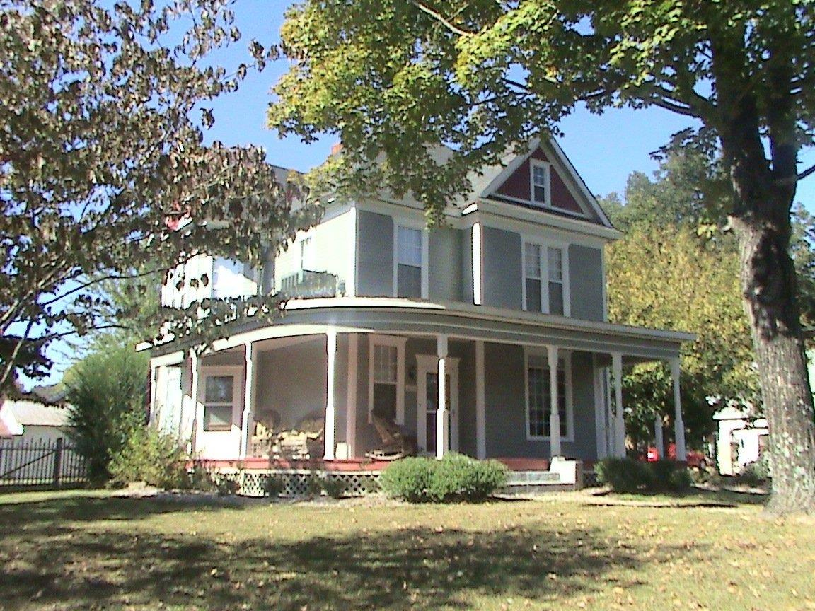 Photo of 433 North Main Street  Burkesville  KY