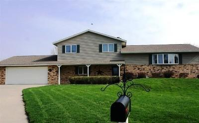 13 Saint Andrews Ct, Storm Lake, IA 50588