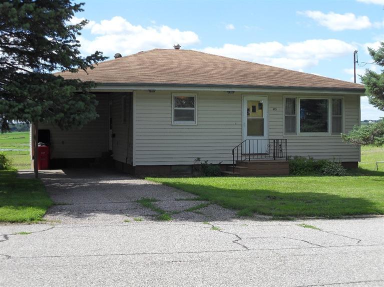415 Ash St, Lawton, IA 51030