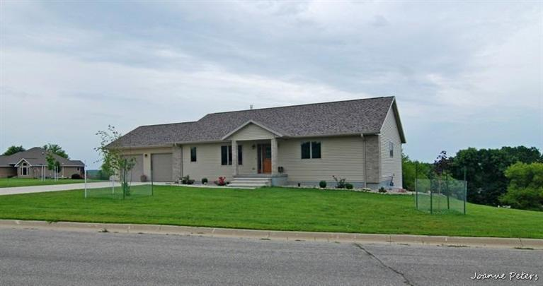 1010 Valley Heights Dr, Sioux Rapids, IA 50585