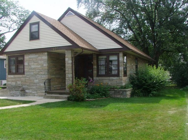 1406 Lochedem Dr, Storm Lake, IA 50588