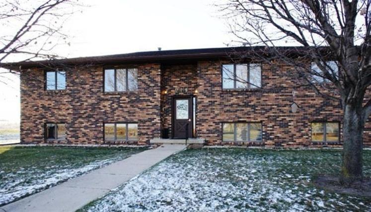 914 Lake St # Unit: 3, Alta, IA 51002