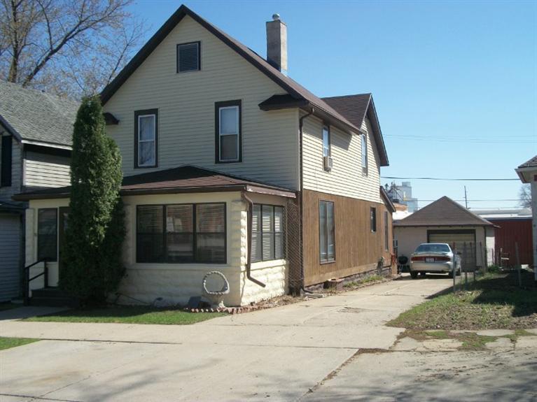 Photo of 521 West Maple Street  Cherokee  IA