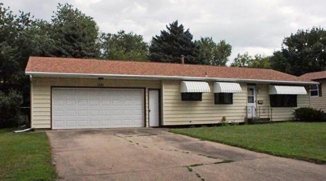 1121 Lincoln Rd, Storm Lake, IA 50588