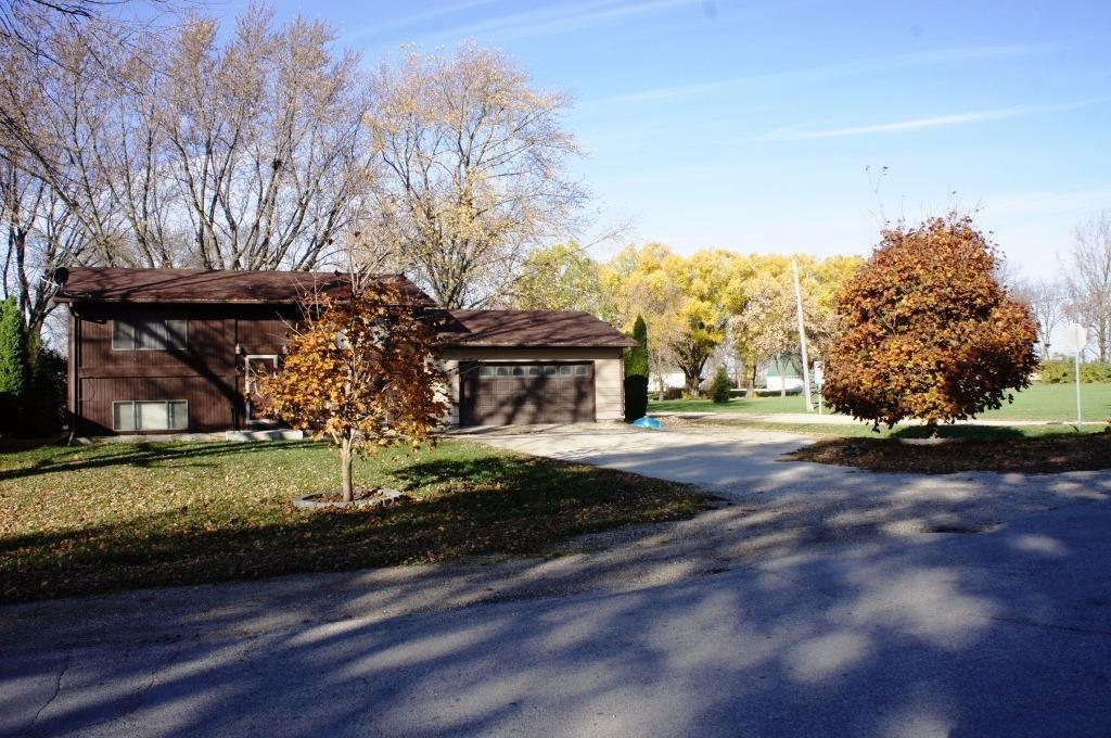 534 N Fulton St, Newell, IA 50568