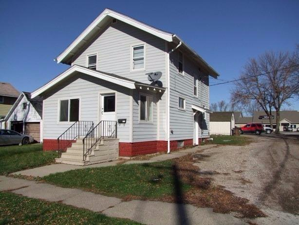 213 W 7th St, Storm Lake, IA 50588