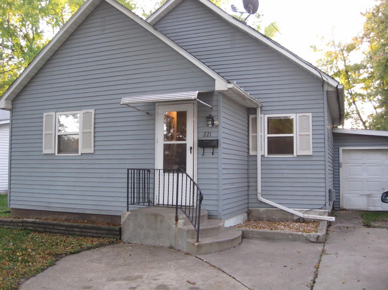 221 Euclid Ave, Cherokee, IA 51012