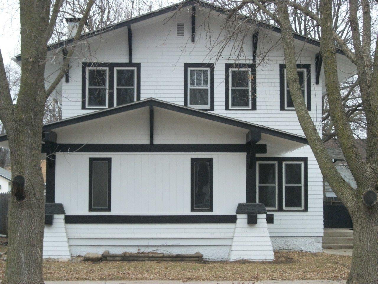 444 Euclid Ave, Cherokee, IA 51012