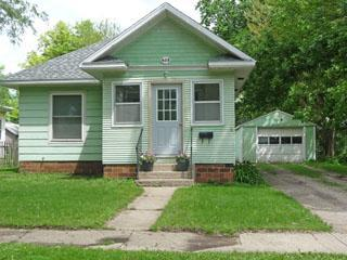 323 E 2nd St, Spencer, IA 51301