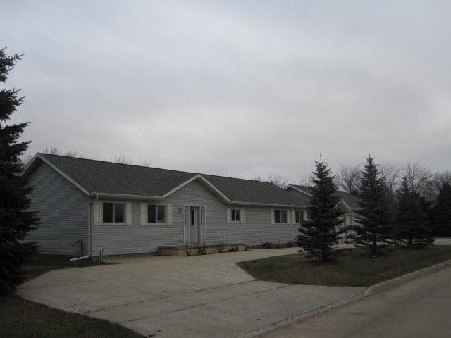 1709 Country Club Ln, Spencer, IA 51301