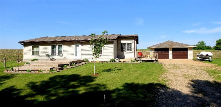 10830 Crowley Ave, Spirit Lake, IA 51360