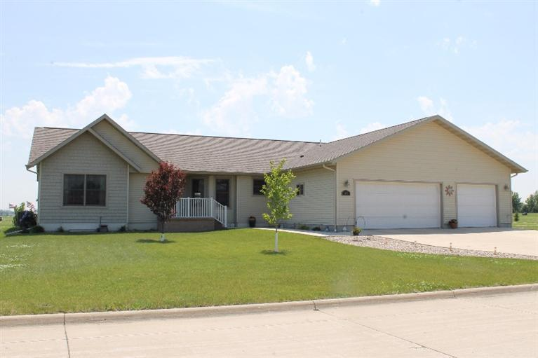 1907 25th St, Spirit Lake, IA 51360