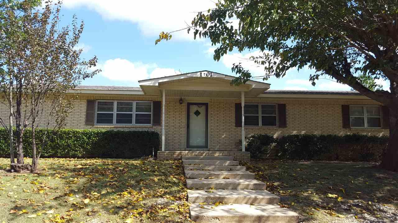 Photo of 1701 Crestview Avenue  Marietta  OK