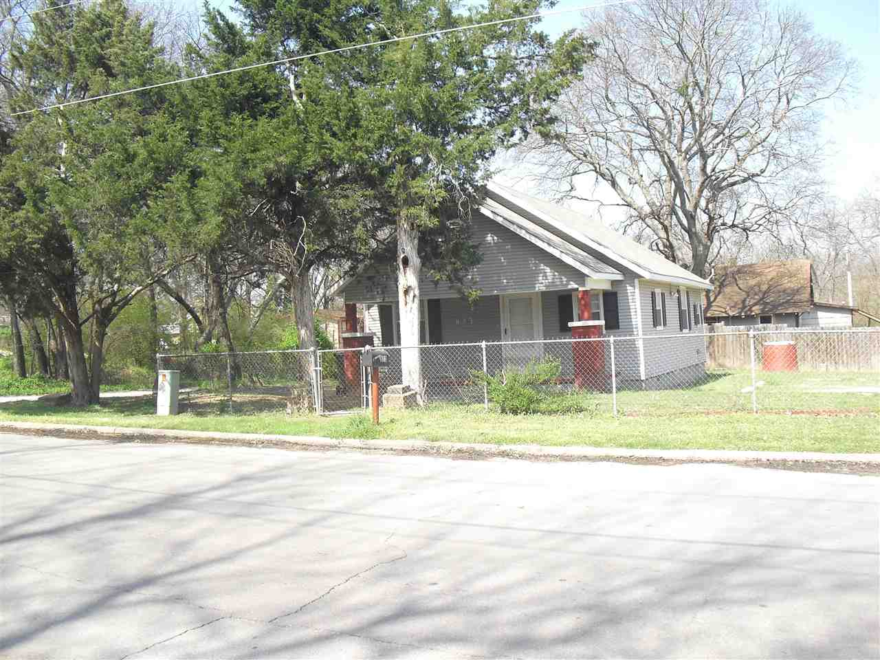 Photo of 623 SE 2nd Street  Ardmore  OK