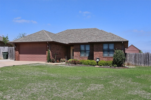 Photo of 214 Aster  Lone Grove  OK