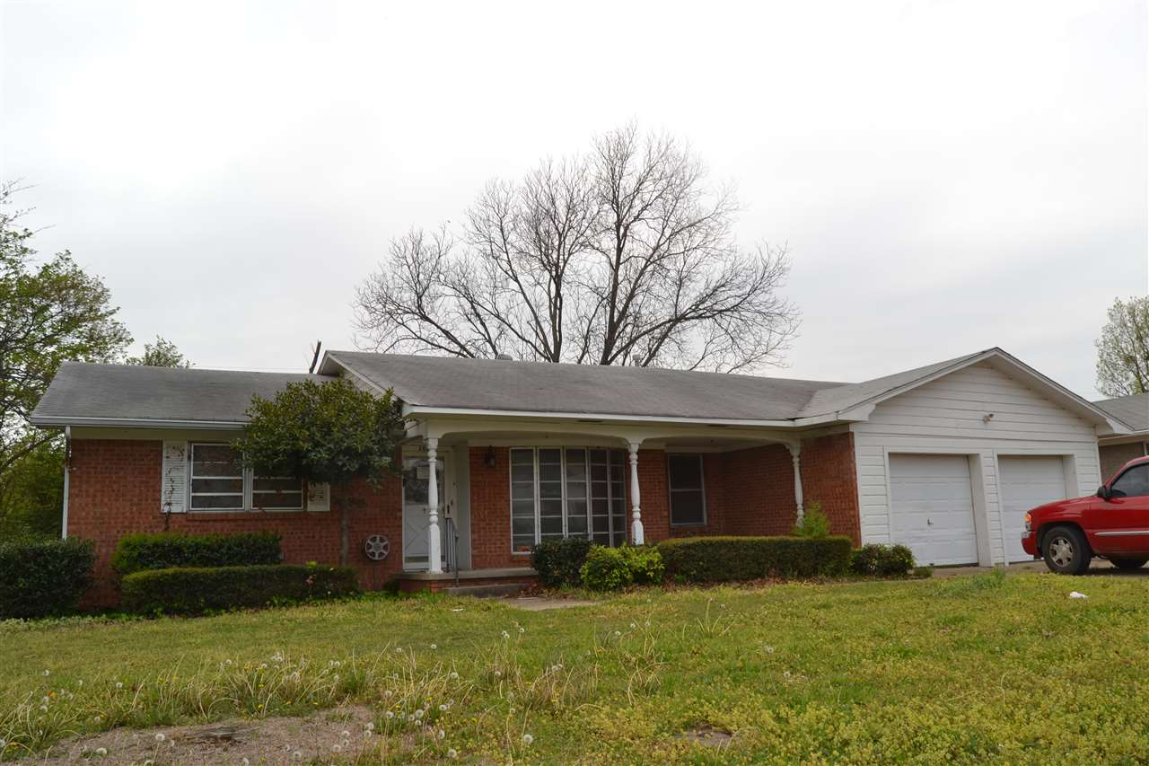 Photo of 208 NW Campbell  Ardmore  OK