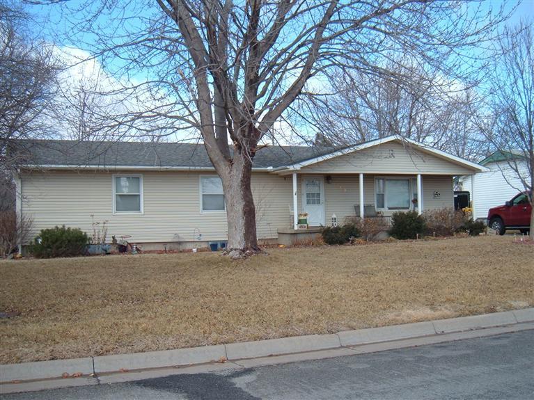 Real Estate for Sale, ListingId: 26904177, Pratt,KS67124
