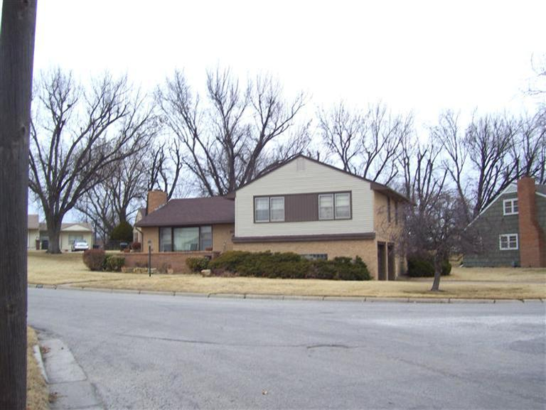 Real Estate for Sale, ListingId: 26884448, Pratt, KS  67124