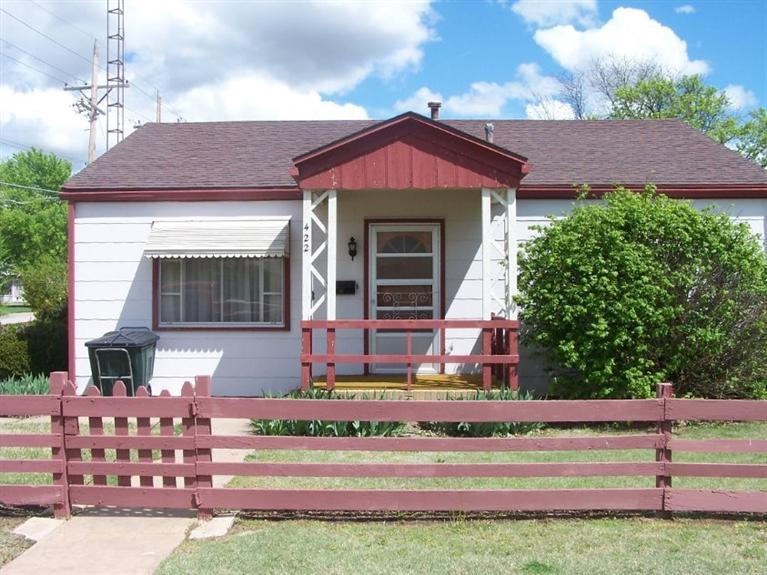 Real Estate for Sale, ListingId: 32869638, Pratt,KS67124