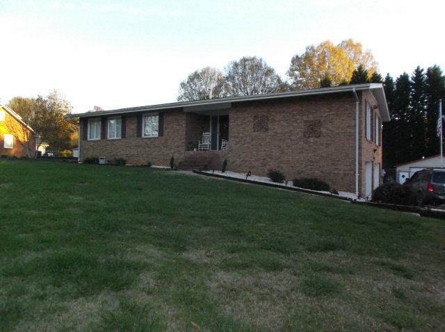 328 Crowell Ln, Granite Quarry, NC 28146