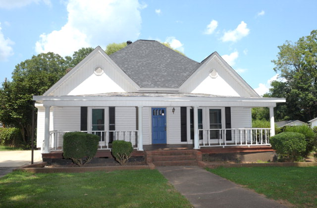 Photo of 102 MAPLE STREET  Cleveland  NC