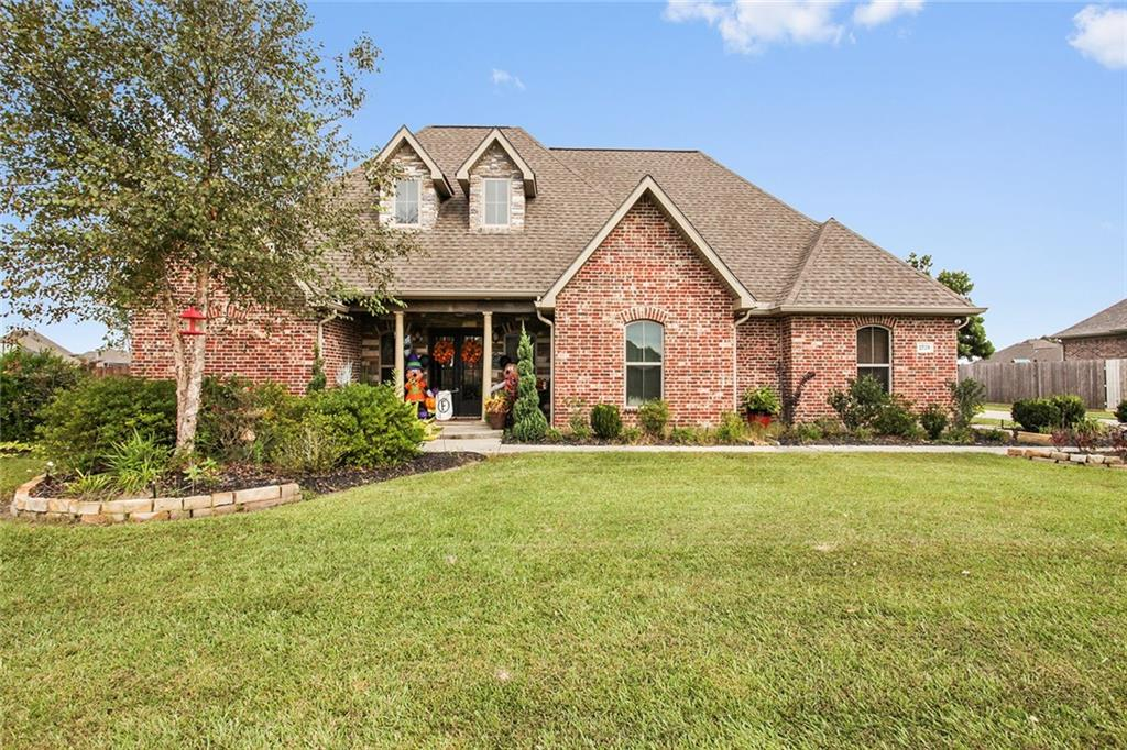 1728 N Woodland Forest Drive, Lake Charles, Louisiana
