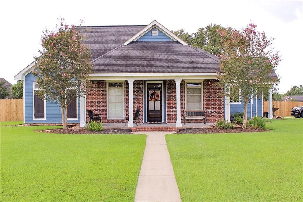 One of Lake Charles 3 Bedroom Homes for Sale at 2555 Katie Elizabeth Lane
