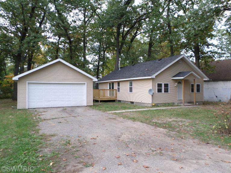 23198 South South St, Edwardsburg, MI 49112