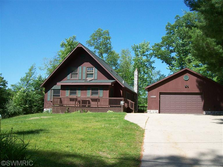 6405 E Trail Ridge Rd, Fountain, MI 49410