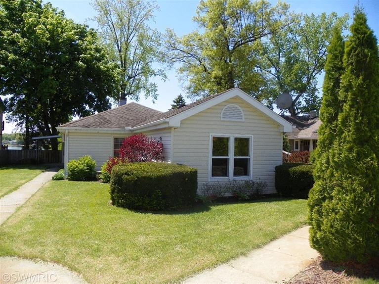 Real Estate for Sale, ListingId: 27411439, Edwardsburg,MI49112