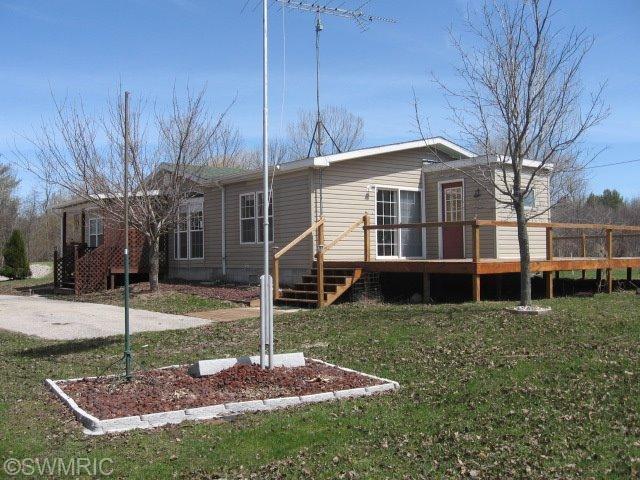 2705 E Townline Rd, Free Soil, MI 49411
