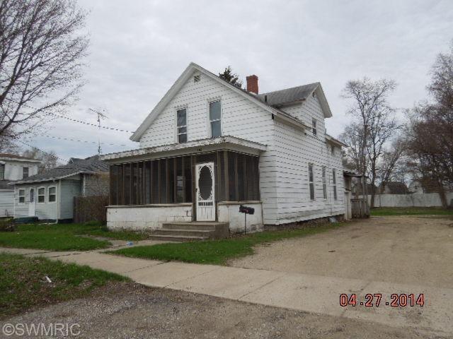 105 N Mill St, Dowagiac, MI 49047