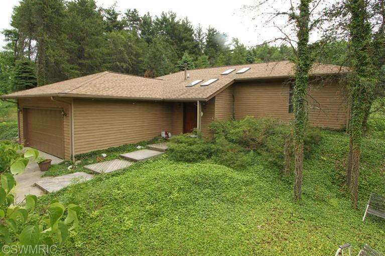 Real Estate for Sale, ListingId: 28559575, Lawton,MI49065