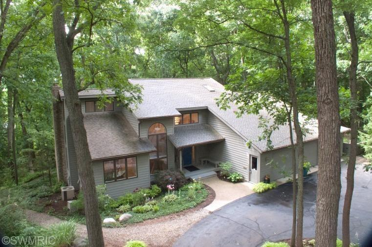 Real Estate for Sale, ListingId: 28979397, Kalamazoo,MI49008