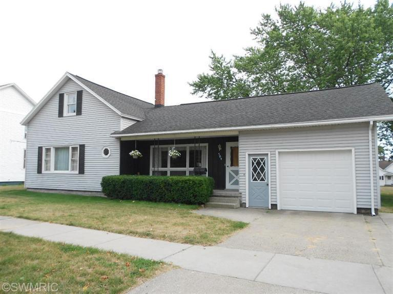 504 6th St, Ludington, MI 49431